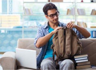 Taske med plads til computer og bøger